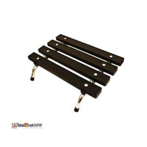 زیرپایی ثابت یکی از محصولاتی است که به نحوه صحیح نشستن کمک می کند است. این وسیله در شکل های گوناگون به صورت چوبی، فلزی و پلاستیکی عرضه می شوند.